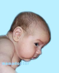 Когда ребенок начнет держать голову ?