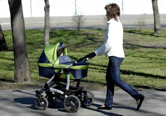 Новорожденный Первая прогулка