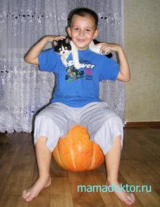 Кошку ребенку