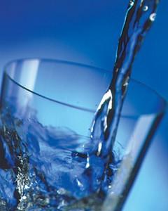 ребенку воду